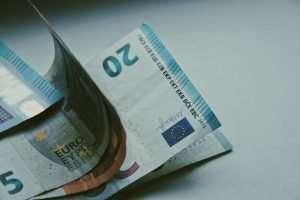 salario mínimo en Irlanda 2021